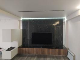 Установка телевизора 65 диагонали на стену из керамогранита